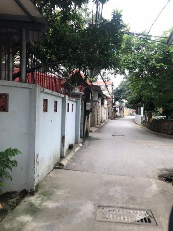 Đất trung tâm quận Long Biên, ô tô 7 chỗ vào tận nhà.