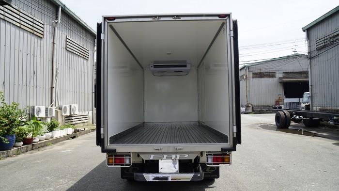 Tải đông lạnh ISUZU tải trọng 2 tấn 5 thùng dài 4 mét 2, trả góp