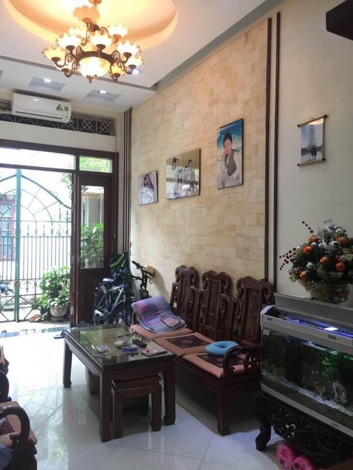 Bán gấp! Nhà đẹp Kim Đồng 46m2, Kinh doanh tốt. Giá 4.4 tỷ.