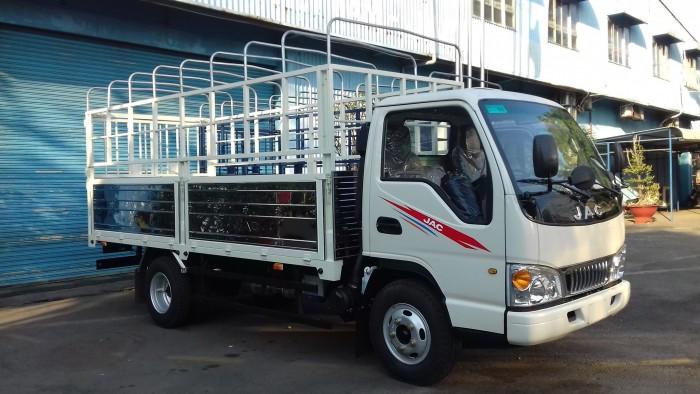 Xe tải JAC 2t4 động cơ ISUZU thùng 4.4m trả góp 80% giá trị xe