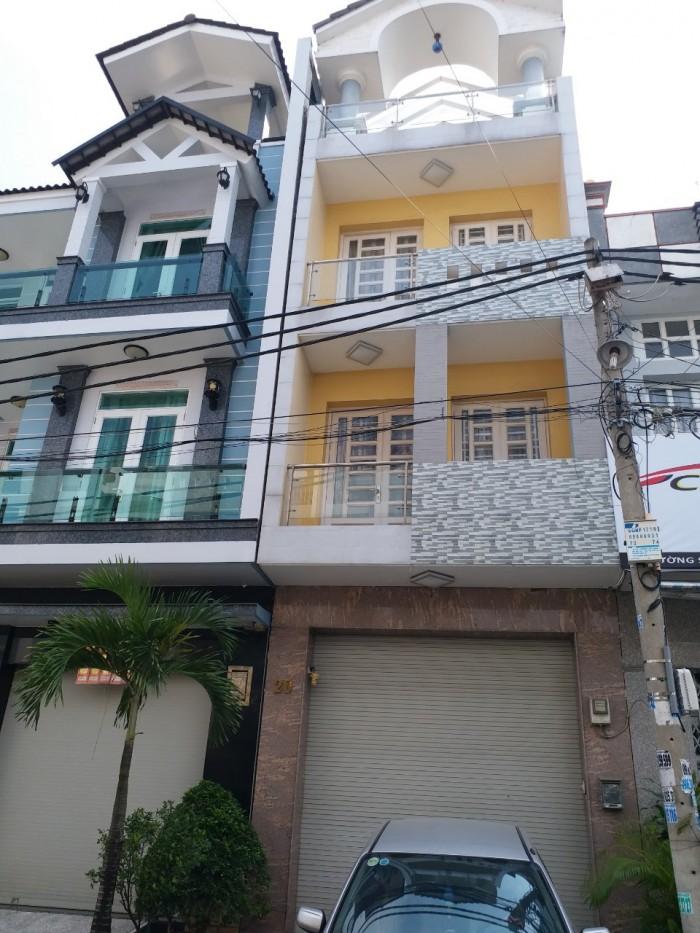 Cần tiền gấp bán căn nhà với diện tích 108m2, mặt tiền đường Nguyễn Trải Q.5 . Giá 4.7 tỷ
