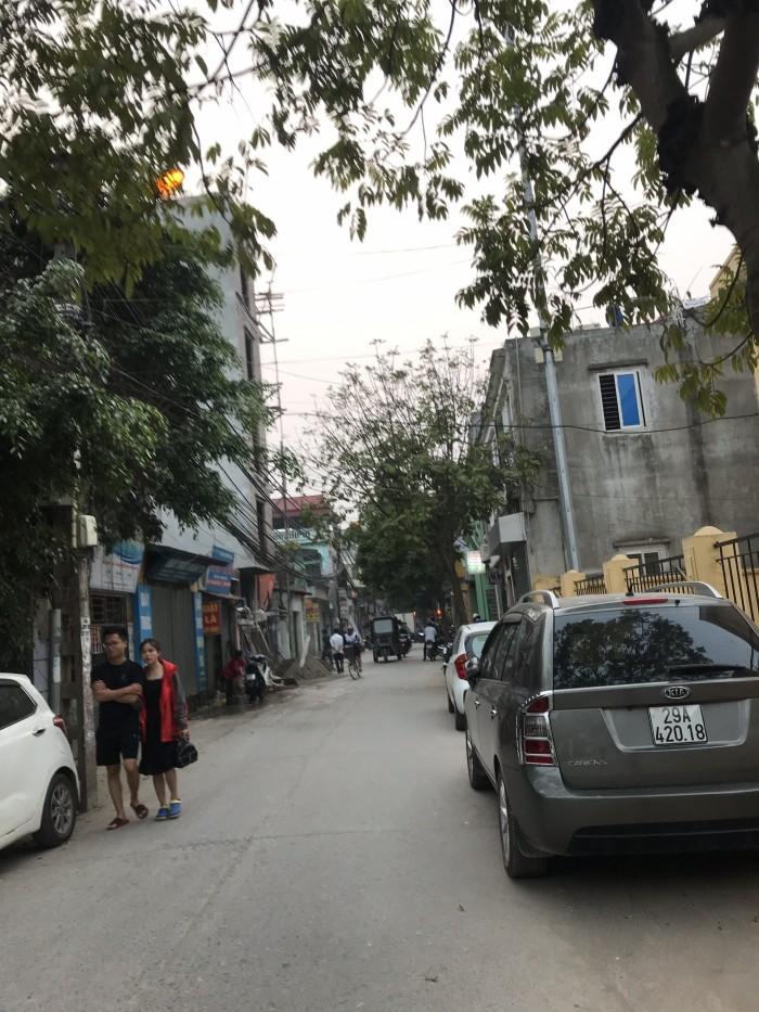 Hot!!!Bán đất TDP Cửu Việt đường ô tô tránh nhau, kinh doanh thuận lợi