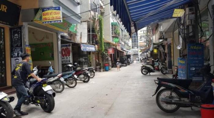 Bán Nhà Ô Tô, Kinh Doanh Sầm Uất ngõ 10 Tôn Thất Tùng, 30m2 x 5T.