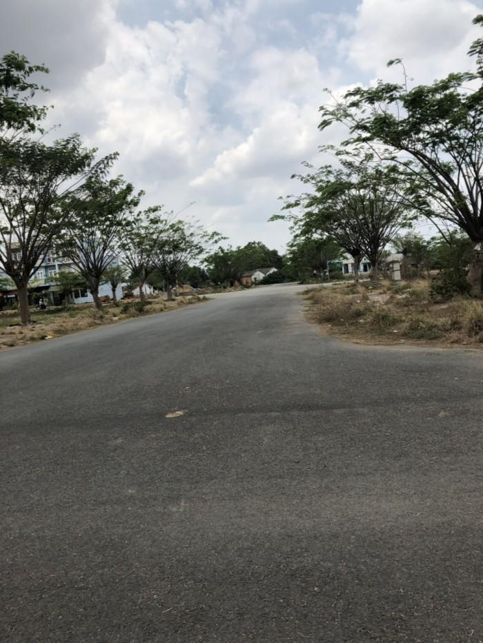 Bán gấp 5 nền đất Chợ Đệm, Bình Chánh, giá chỉ 600tr/90m2, SHR.