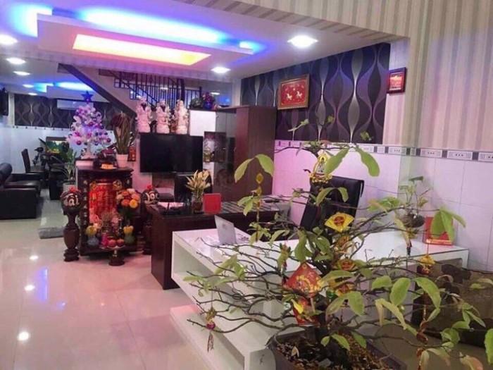 Cần bán căn nhà mặt tiền đường Đoàn Nguyễn Tuấn tân quý tây Bình Chánh