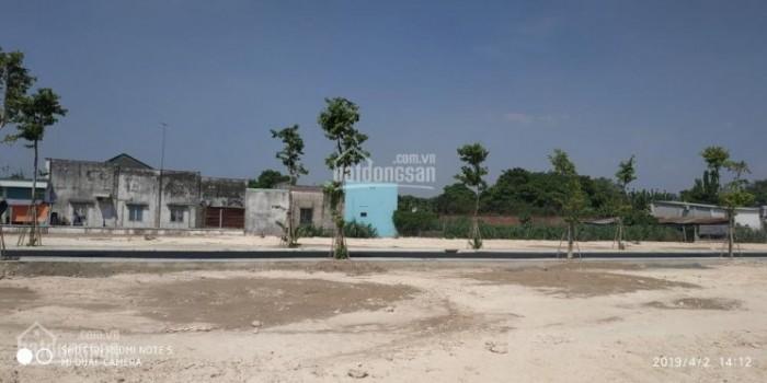 Bán nhanh lô đất 100m2, nằm đường Liêu Bình Hương, Củ Chi,thổ cư 100%,, sổ hồng riêng,giá 850tr/nền
