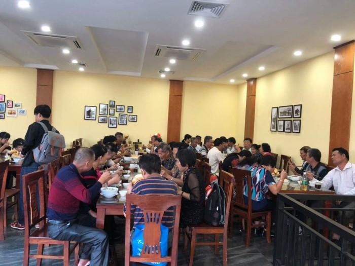 Cho thuê làm nhà hàng mặt phố Võ Chí Công: 140m, Mặt tiền 12m.