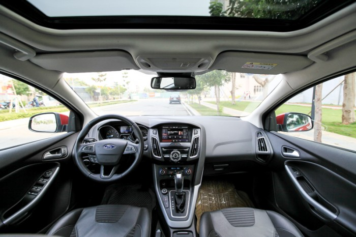 Bán Ford Focus S 2017 tự động 1.5 màu đỏ cực đẹp