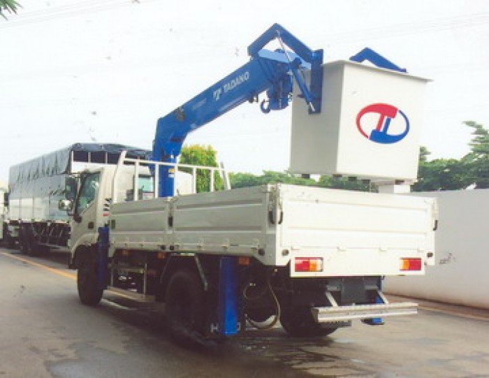 Xe tải 4 tấn HINO WU342L gắn cẩu 3 tấn TADANO mdel TM-ZE295MH | Giá rẻ nhất | Hỗ trợ mua xe trả góp lãi xuất thấp
