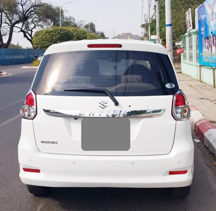 Bán Suzuki Ertiga 2016 tự động màu trắng xe đi 22 000 km