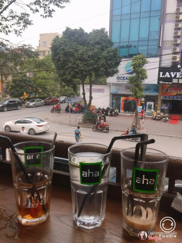 Cho thuê nhà làm nhà hàng mặt phố Nguyễn Khang: Mặt tiền 15m.