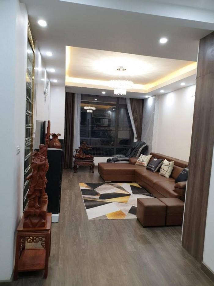 Bán nhà phố Hoàng Quốc Việt ô tô tránh, Vỉa hè, Thang máy Gía 9,5 tỷ