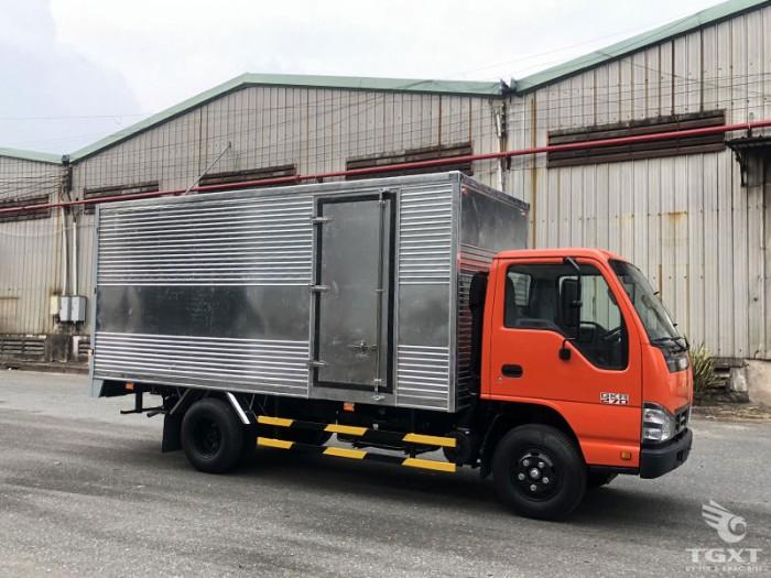 Xe Isuzu QKR270  tải :  1t99 - 2t35 -2t9 thùng kín 4m3 5