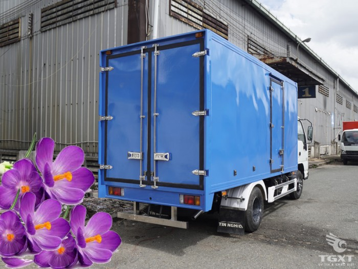 Xe Isuzu QKR270  tải :  1t99 - 2t35 -2t9 thùng kín 4m3 1