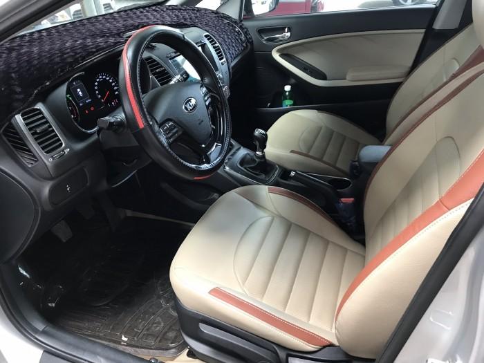 Bán Kia Cerato 1.6MT màu bạc số sàn sản xuất 2018 mẫu mới bản đủ đi 8000km