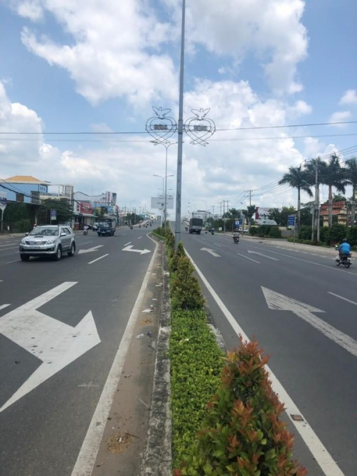 Nền góc 2 mặt tiền đường Lê Hồng Phong - Nguyễn Viết Xuân, Q. Bình Thủy, Tp. Cần Thơ