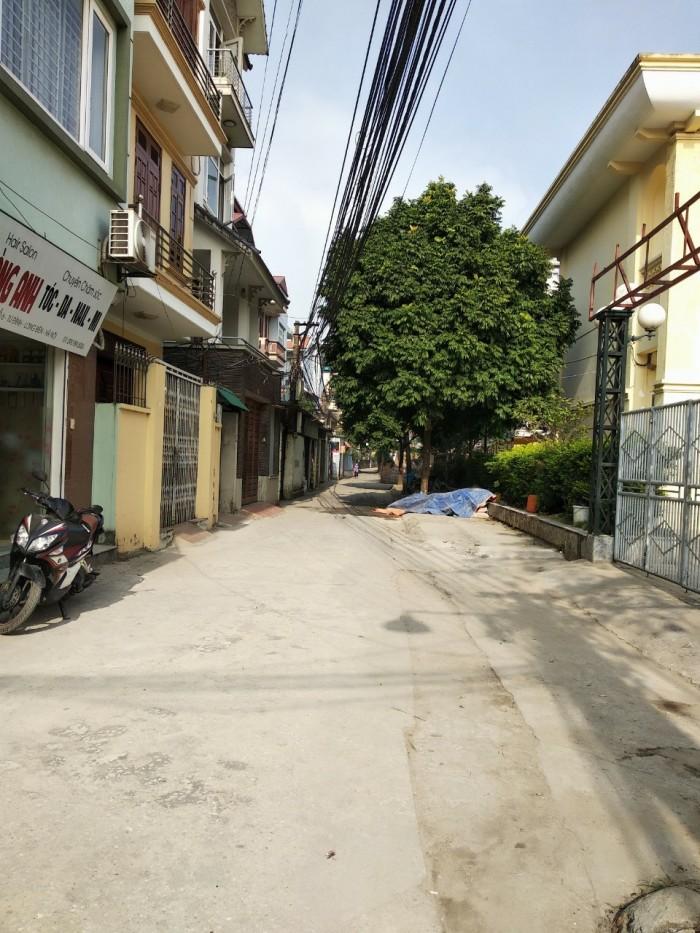 Bán ngay mảnh đất cực đẹp, oto vào tận nhà 40m2 giá chỉ 1,8 tỷ tại Thạch Bàn, Long Biên