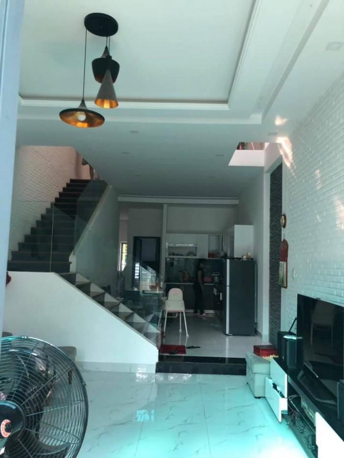 Cho thuê nguyên căn nhà 2 tầng đường Giang Châu 2