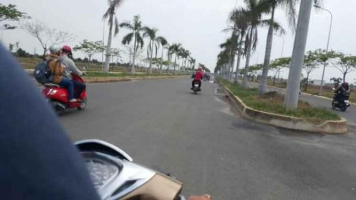 Ngay mặt tiền đường tỉnh lộ 8, cách cầu vượt Củ Chi 2km