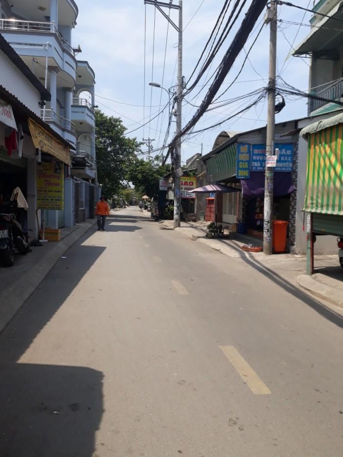 Bán nhà MT đường số 13 Linh Xuân Thủ Đức DT 150m2 đất