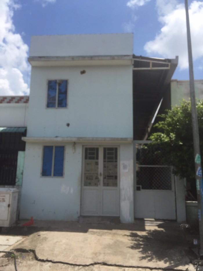 Cần bán gấp nhà ấp 3, xã Lộc Hậu, huyện Cần Giuộc, tỉnh Long An.
