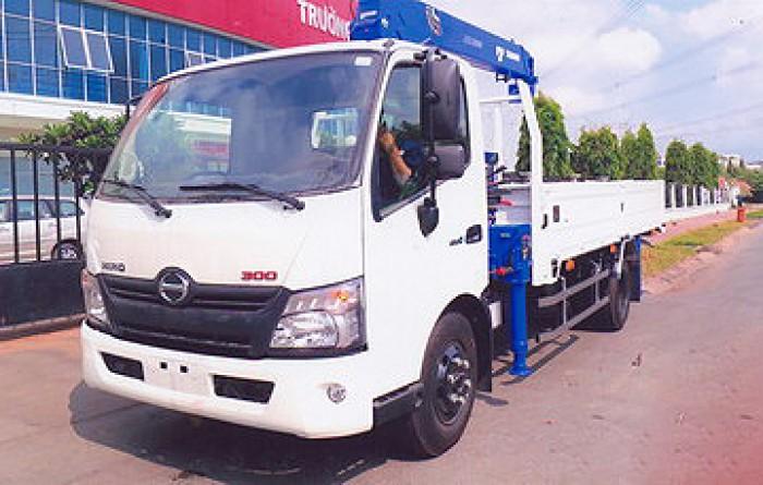 HINO XZU720L gắn cẩ 3 tấn TADANO modl TM-ZE305MH | Khuyến mãi thuế trước bạ 2% khi mua xe
