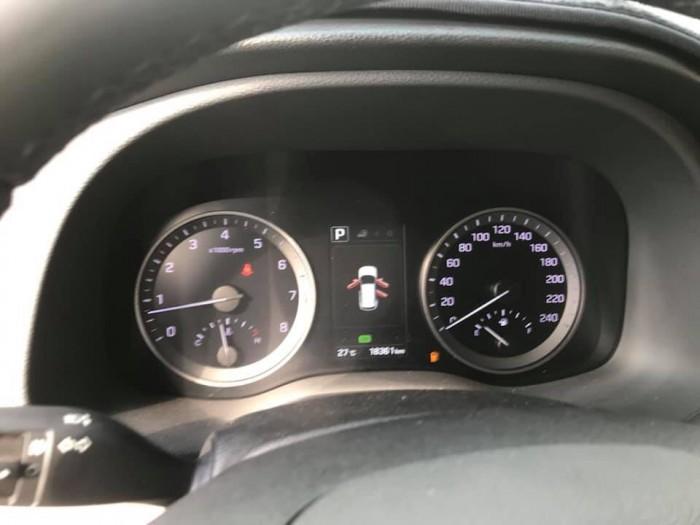 Bán Hyundai Tucson Turbo 1.6AT máy xăng số tự động sản xuất 2017 biển tỉnh đi 18000km