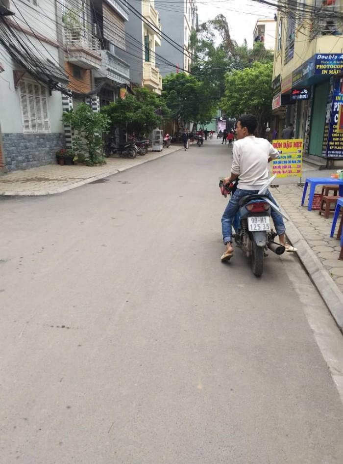 Bán đất TĐC Thạch Bàn, Long Biên 35,7m2 giá 2,32 tỷ.
