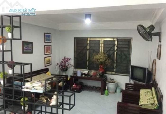 Bán nhà 55m2, 4 tầng, MT 4.3m, chỉ 4.6 tỷ phố Trần Đình Hoàn. Cầu Giấy.