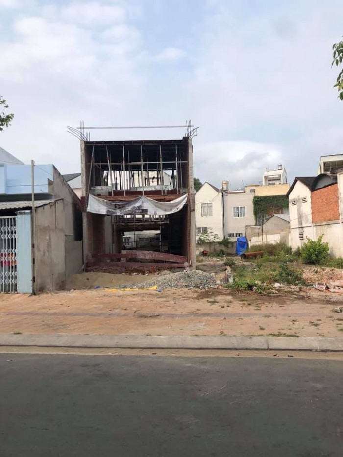 Bán đất mặt tiền đường Lê Bình, hiện hữu có căn nhà thô 1 trệt 1 lầu