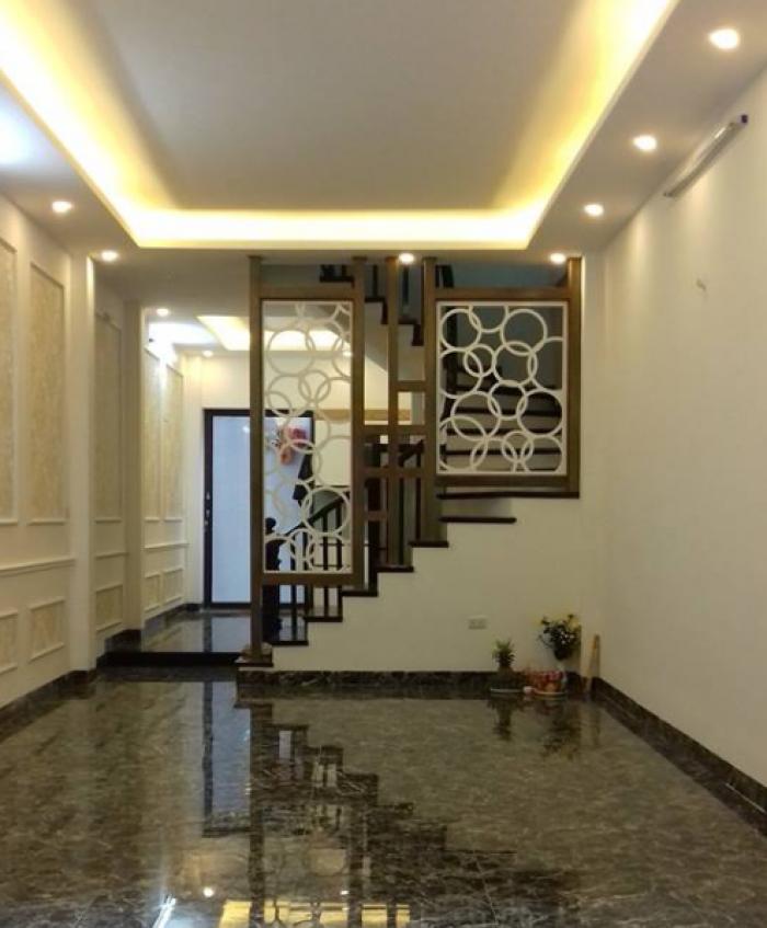 Bán Gấp nhà mới, SĐCC phường Láng Thượng 48m2 x 5 tầng, giá 4.1 tỷ