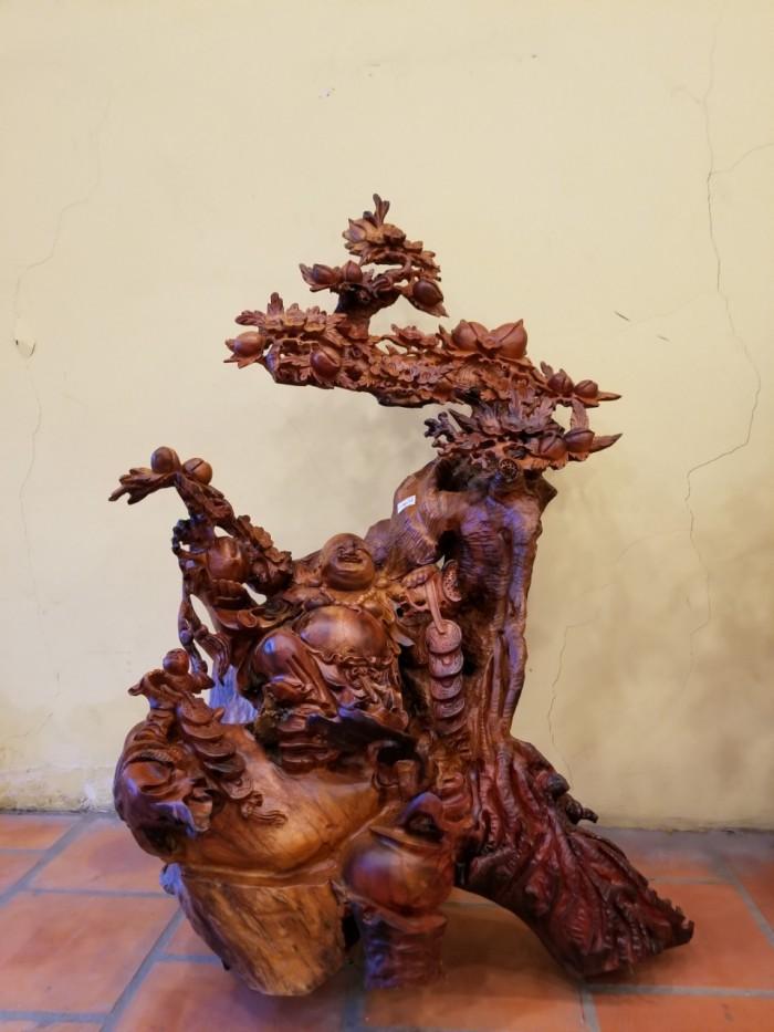 Di lặc thông thái dưới gốc đào gỗ hương Việt Nam1