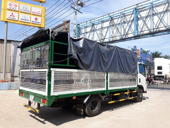 Xe tải thùng mui bạt ISUZU NPK85E4 tải 3.5 tấn - TRẢ GÓP
