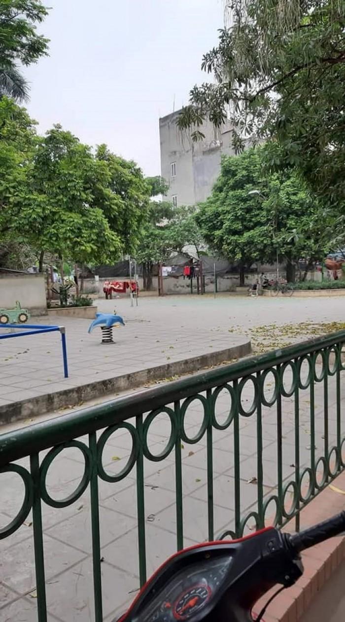 Nhà 4 tầng đẹp Cầu Giấy 76m 4.85 tỷ sát phố Nguyên Văn Huyên tương lai tăng giá mạnh.