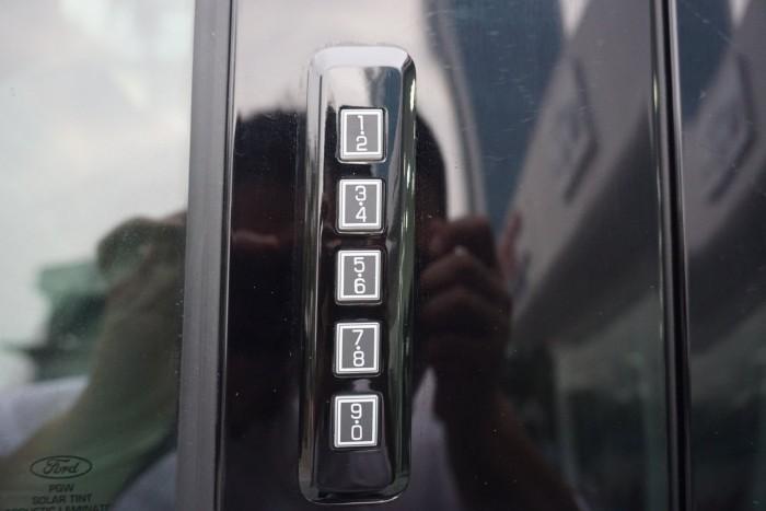 Ford F150 Limidted Màu Đen Full options Model 2019 Mới nhất Vn 32