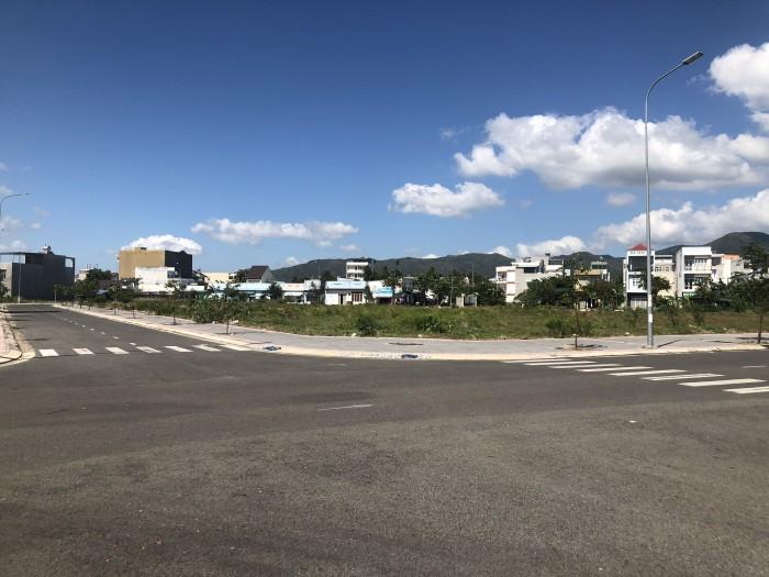 Cần bán vài lô đất nằm ngay mặt tiền đường BÌNH CHUẨN 36