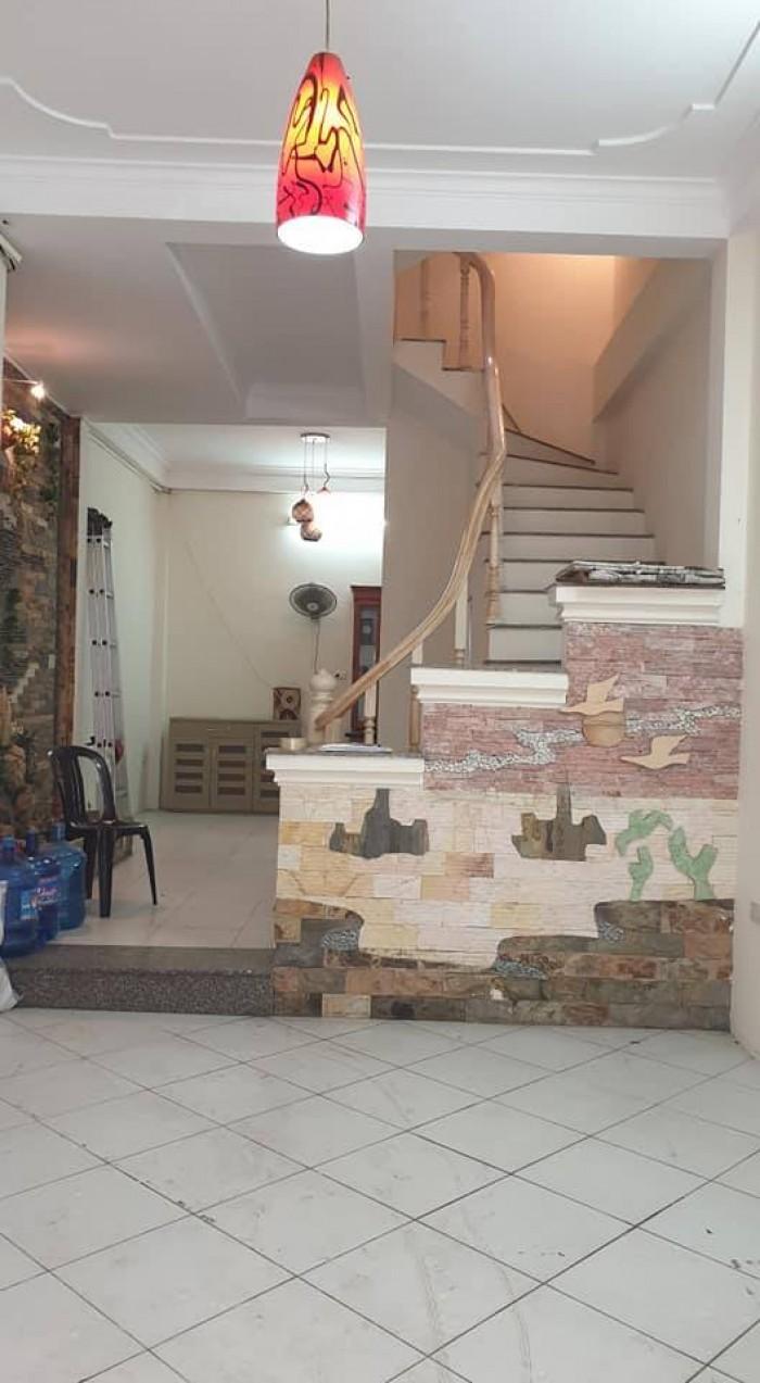 Bán gấp nhà đẹp Xuân La 5 tầng 40 m2 - Siêu hiếm - 5 phút ra Hồ Tây.