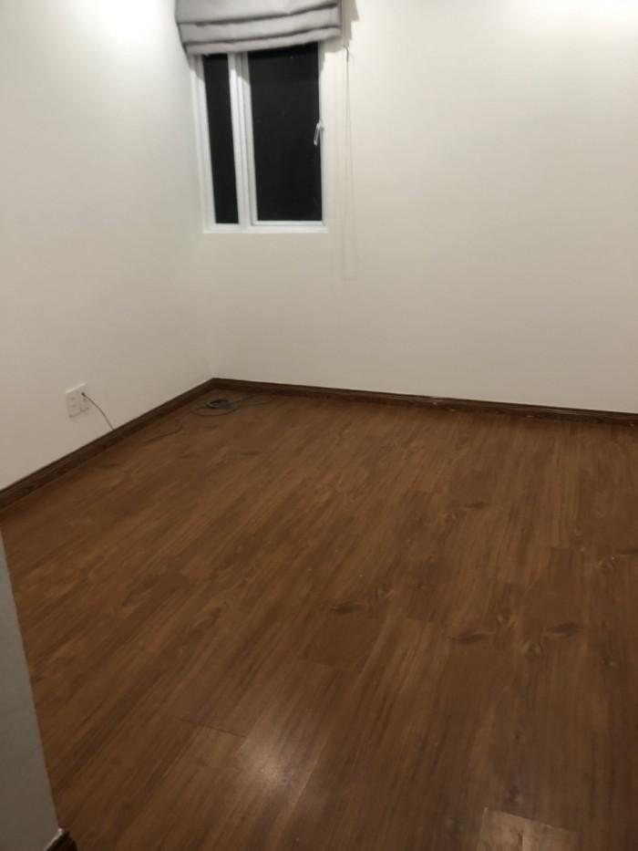 Cần bán căn hộ Giai Việt Q.8, 100m2, 3pn, view Đông Nam, giá 2.8 tỷ.