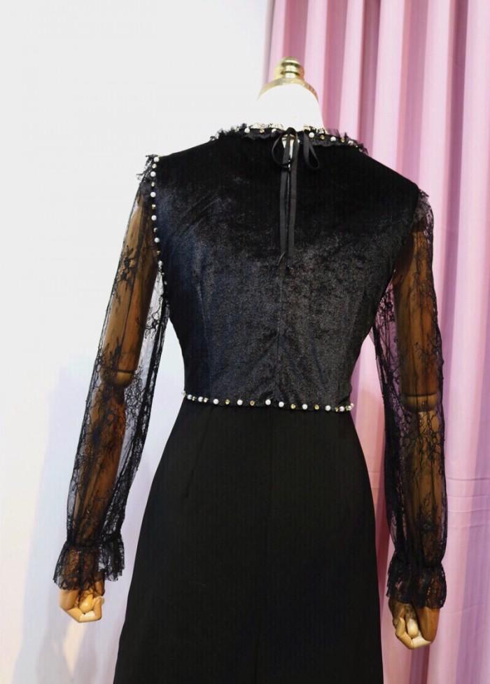 [2] Đầm xòe tay dài đính hột