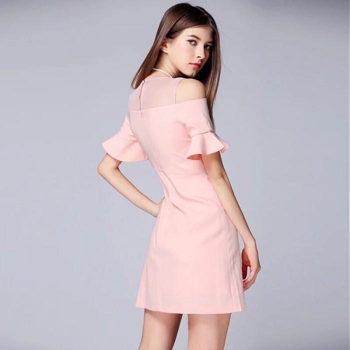 [5] Đầm xòe tay rớt