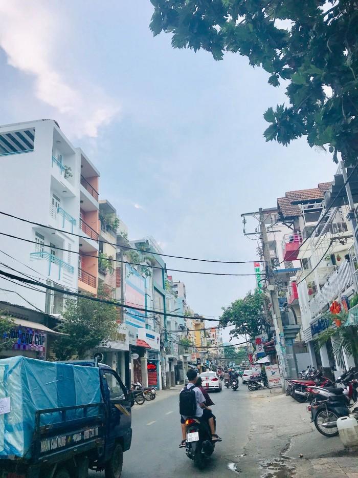 Nhà cần bán gấp nhà Phan Văn Trị Q5 13/25m2 giá 7 tỷ.