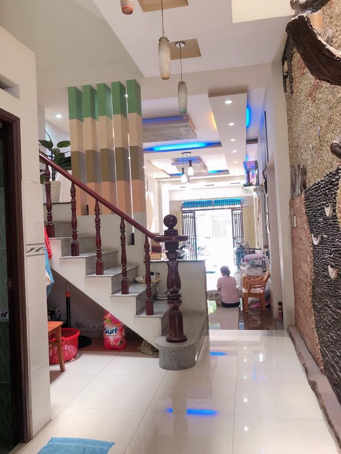 Bán nhà MTKD đường Nguyễn Ngọc Nhựt,DT:4x21.Giá 9.6 tỷ . 3 tấm .nhà đẹp còn bớt