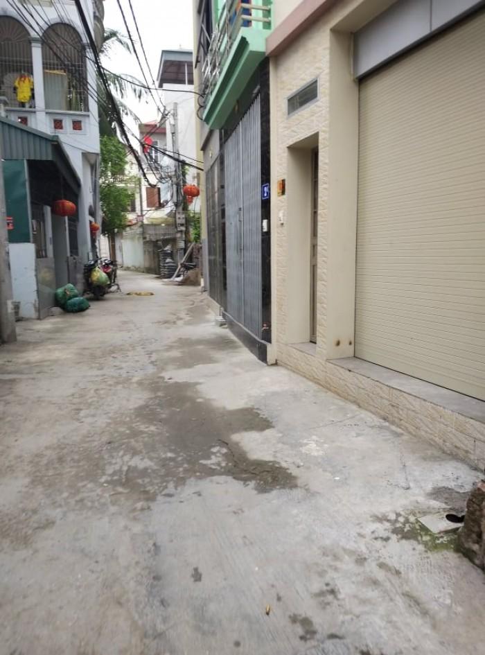 Đất Thạch Bàn, Long Biên ngõ ô tô giá 32tr/m2 có thương lượng.