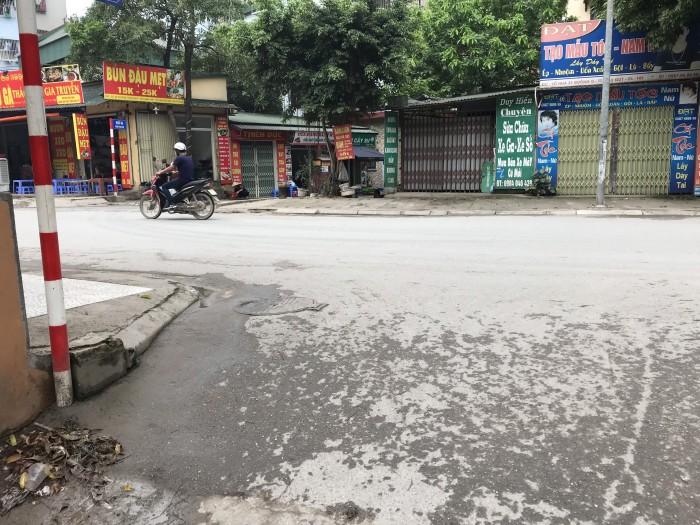 Hót!! 2.8 Tỷ sở hữu 71m2 đất tại TT Trâu Quỳ, hai mặt tiền, đường ô tô