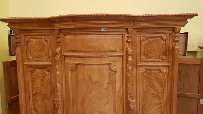Tủ thờ trơn bụng phệ gỗ gõ đỏ1