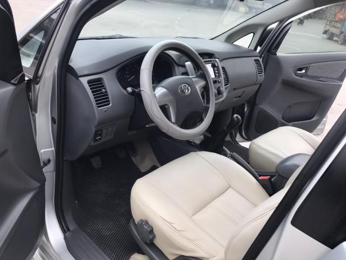 Bán Toyota Innova 2.0 E đời 2013, màu bạc, xe đẹp xuất sắc 18