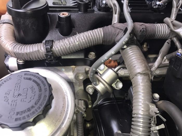 Bán Toyota Innova 2.0 E đời 2013, màu bạc, xe đẹp xuất sắc 12