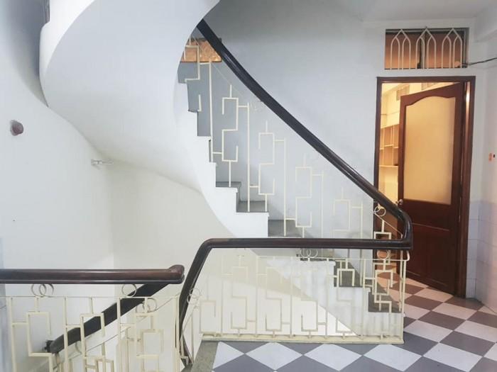 Nhà 4 tầng sát MT Huỳnh Văn Bánh, 4x10, 5.9 tỷ TL.