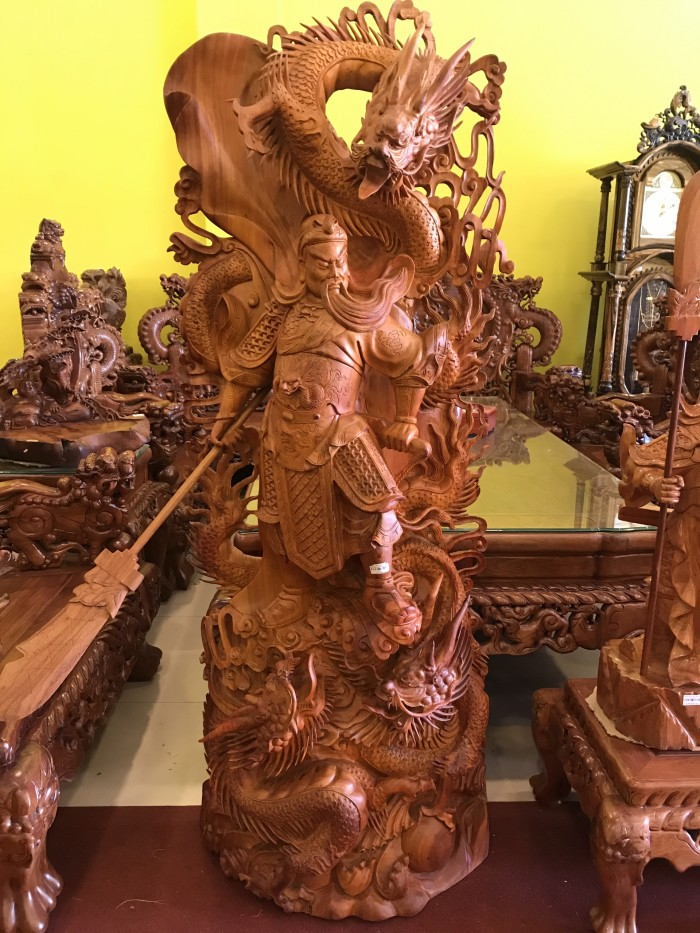 Tượng quan công cưỡi rồng gỗ hương2