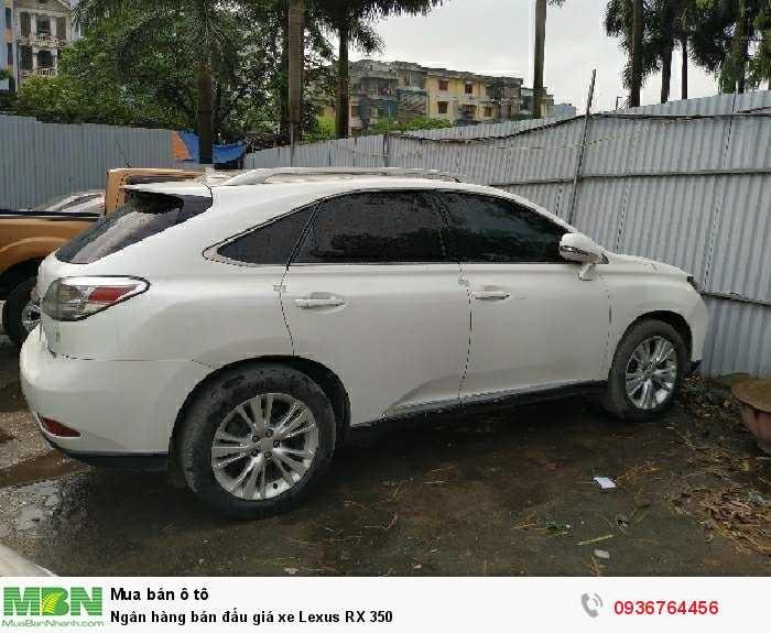 Ngân hàng bán đấu giá xe Lexus RX 350